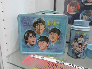 beatlemania-beatle-merchandise